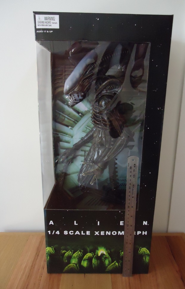 NECA 1/4 Scale Alien Figure Review NECA 1/4 Scale Alien Figure Review