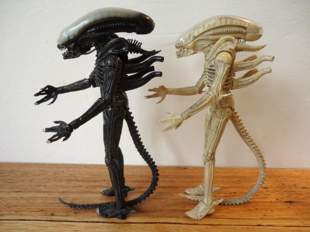 Translucent_06 NECA Aliens Series 7 - Xenomorph Prototype Suit Review