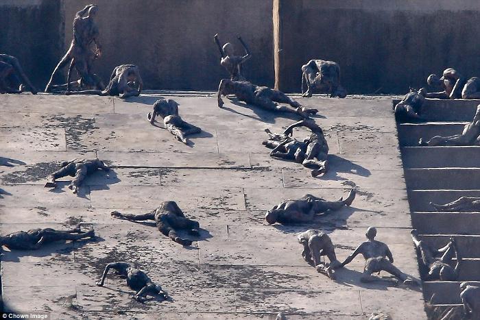 New Alien: Covenant set photos reveal extraterrestrial massacre!  New Alien: Covenant Set Photos Reveal Extraterrestrial Massacre!