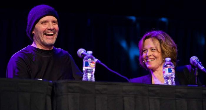 Michael Biehn & Sigourney Weaver at Comicpalooza 2016 Aliens 30th Anniversary Reunion. Picture via Cron. Comicpalooza 2016 Aliens 30th Anniversary Reunion