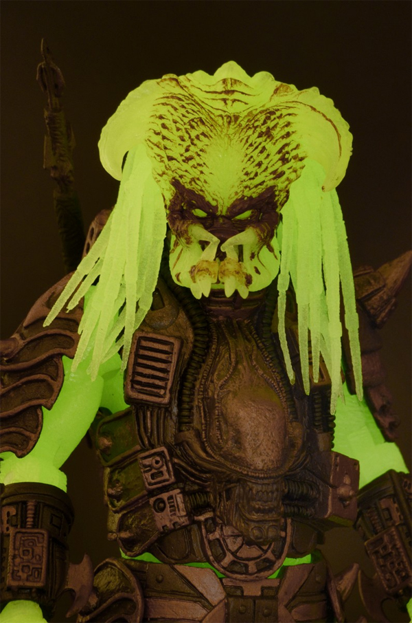 Stalker (Glow in the Dark) NECA Predator Series 16 Gallery Now Online!