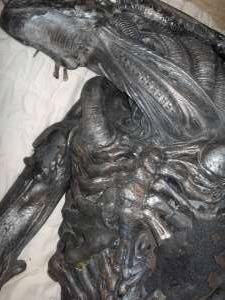 20061126_03 AvP2 Alien Suit Stolen