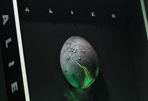 20070201_01 3D Alien Poster Review