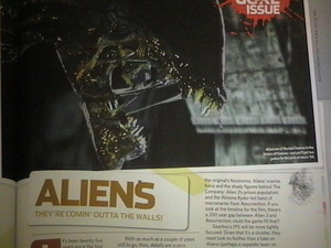 20071204_10 Aliens in X-Box Magazine