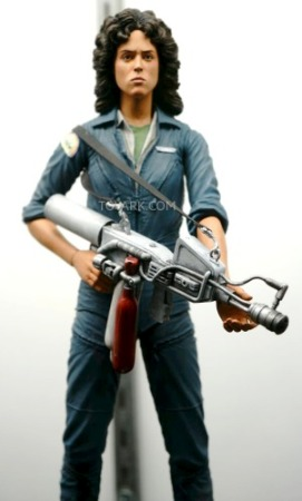 NECA Ripley Sigourney Weaver Figure NECA & Hot Toys Reveal Ripley Figures at SDCC 2014