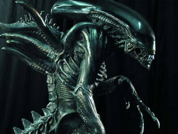 """avp3-article-04a """"You Are One Ugly Motherfu..."""" - My Wishlist for the Next Alien vs. Predator Film"""