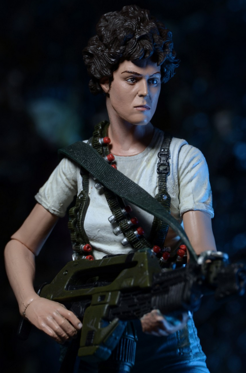 290515_04 NECA Aliens Series 5 Features Ripley, Bishop, Xeno Warriors