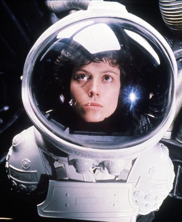 """210715_09 Sigourney Weaver on Alien 5 - """"Neill's Fulfilling His Childhood Dream"""""""