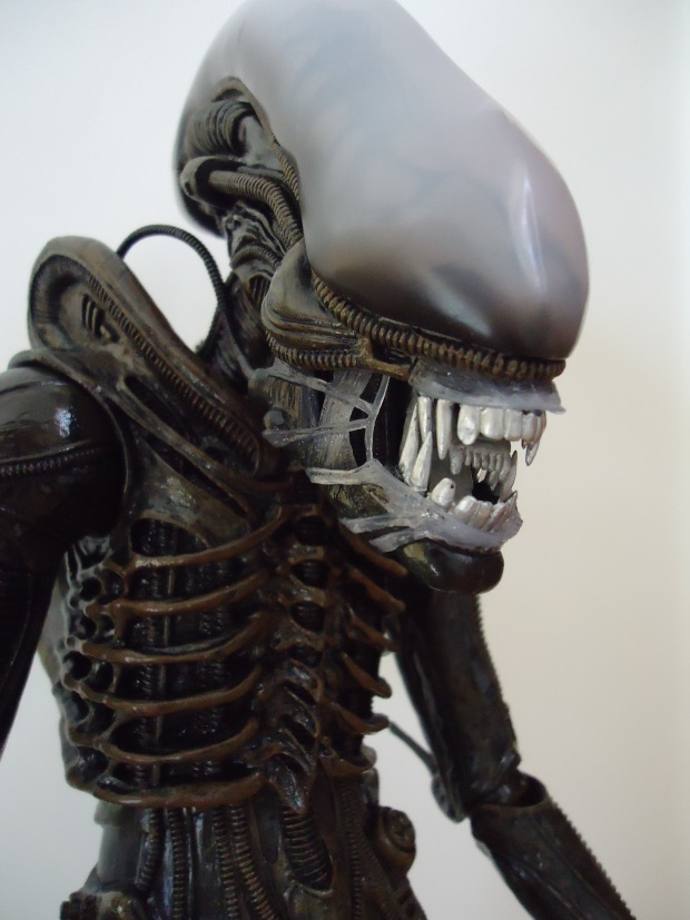 NECA 1/4 Scale Alien Figure Review NECA 1/4 Scale Alien Figure Review