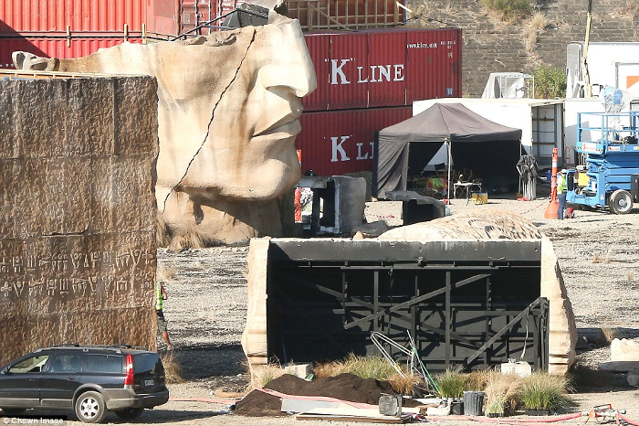 Set pictures taken at a quarry in Sydney show the broken remnants of an Engineer monument.  New Alien: Covenant Set Photos Reveal Extraterrestrial Massacre!