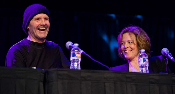Michael Biehn & Sigourney Weaver at Comicpalooza 2016 Aliens 30th Anniversary Reunion. Picture via Cron. Comicpalooza 2016 Aliens 30th Anniversary Reunion