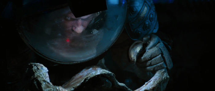 Kane's curiosity gets the better of him... AvP Galaxy's Favourite Alien Scenes