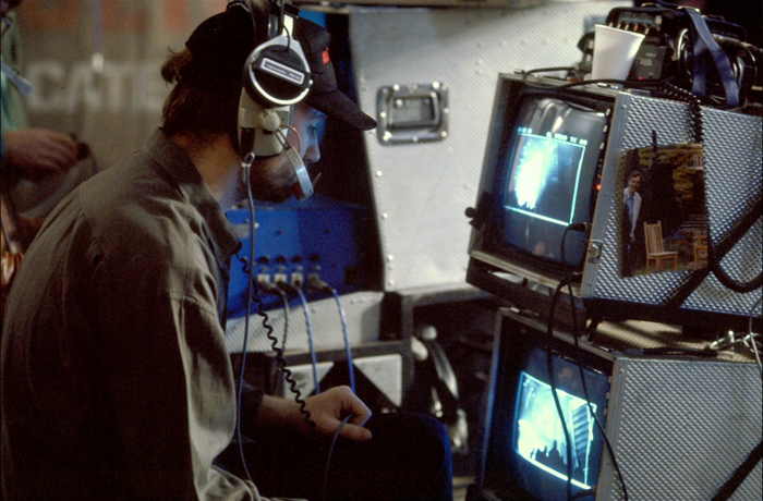 Behind the scene with David Fincher as they film the funeral sequence. AvP Galaxy's Favourite Alien Scenes