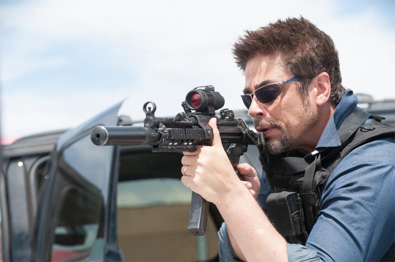Benicio Del Toro in talks to star in The Predator! Benicio Del Toro in Talks To Star In The Predator!