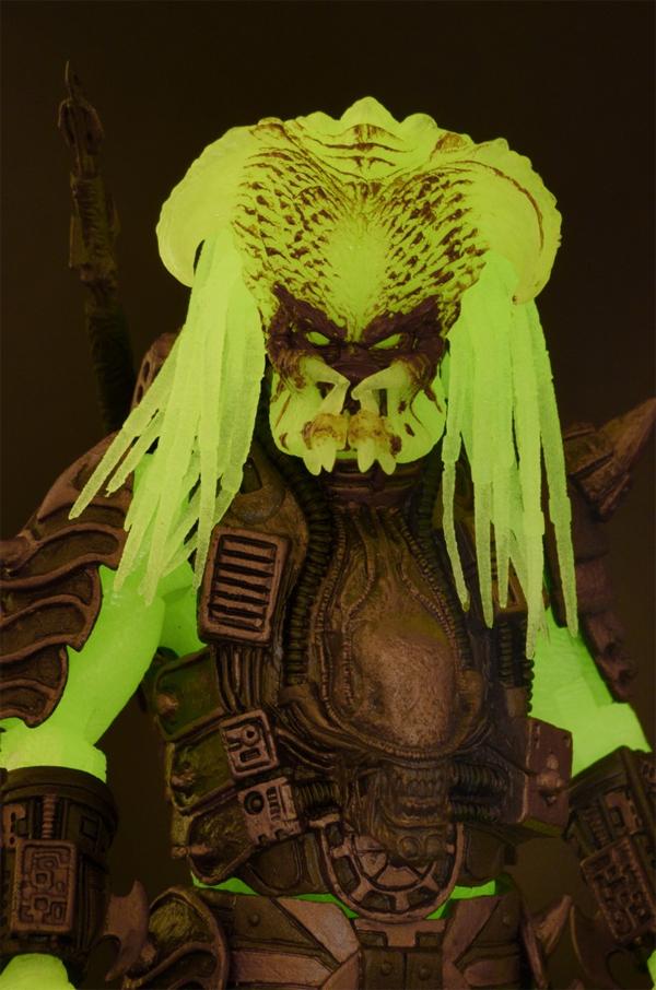 Stalker (Glow in the Dark) NECA Predator Series 16 Gallery Now Online!