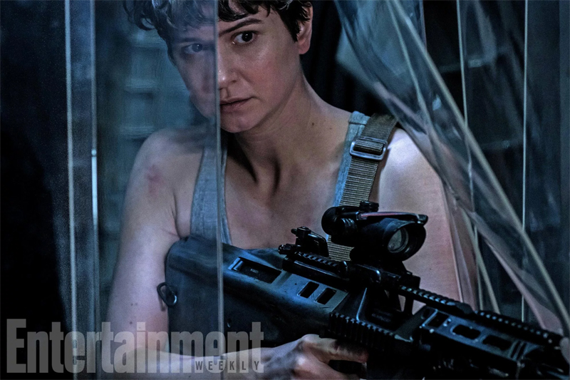 Katherine Waterston Channels Her Inner Ripley in New Alien: Covenant Still