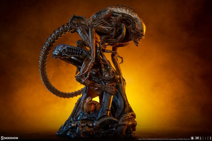 Legacy Studios and Sideshow's Mythos Alien Statue On The Way!