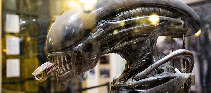 <h2>AvP Galaxy Tours USC Alien 40th-Anniversary Exhibit!</h2><span class='featuredexcerpt'>A couple weeks back AvP Galaxy had the fantastic opportunity to tour the USC School of Cinematic Arts&#8217; &#8216;Visions and Voices&#8217; 40th Anniversary Alien Exhibit. The department&#8217;s [&hellip;]</span>